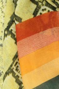 """Sjaal """"Rainbow Snake"""" geel"""